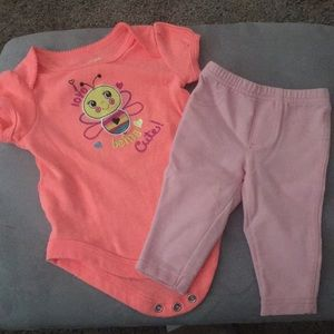 Adorable pink bee 2 piece outfit